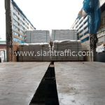 สีตีเส้นจราจรสีขาว มอก.542-2549 จำนวน 1,000 ถุง ส่งไปประเทศพม่า