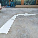 ตีเส้นสัญลักษณ์ลูกศร ที่อาคารสุรินทร์ (Surin building) เขตคลองสาน