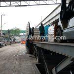 สีทาพื้นถนนสีเหลือง ส่งออกประเทศพม่า จำนวน 1,500 ถุง
