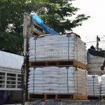 สีตีเส้นจราจร จำนวน 650 ถุง ประเทศพม่า