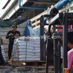 สีเทอร์โมพลาสติก ตีเส้นถนน จำนวน 650 ถุง ส่งไปที่ประเทศพม่า