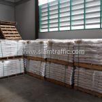 สีสะท้อนแสงทาถนน จำนวน 1,550 ถุง ส่งไปที่เมืองเมียวดี ประเทศพม่า