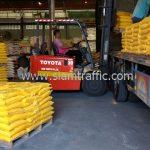 สี thermoplastic สีเหลือง ส่งไปที่พนมเปญ ประเทศกัมพูชา