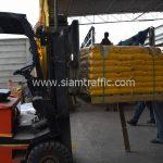 สีเทอร์โมพลาสติก ตีเส้นถนนสีเหลือง จำนวน 2,700 ถุง ส่งไปที่เมืองเมียวดี ประเทศพม่า