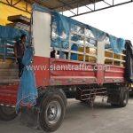 สีตีเส้นจราจรสีเหลือง จำนวน 2,700 ถุง ส่งไปที่เมืองเมียวดี ประเทศพม่า