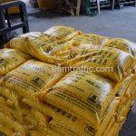 สีเทอร์โมพลาสติก สีเหลือง TRI-STAR จำนวน 2,700 ถุง ส่งไปที่ประเทศพม่า