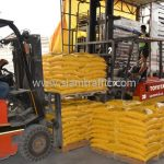 สีเทอร์โมพลาสติก มอก.542-2549 จำนวน 2,700 ถุง ส่งไปที่เมืองเมียวดี ประเทศพม่า