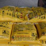 สีเทอร์โมพลาสติกสีเหลือง มอก.542-2549 จำนวน 2,700 ถุง ส่งไปที่เมืองเมียวดี ประเทศพม่า