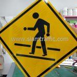 สัญลักษณ์ป้ายเตือน ระวังคนข้ามถนน ต.56 ส่งออกไปประเทศพม่า