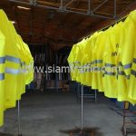 เสื้อกันฝนอย่างดี เทศบาลตำบลฉลอง จำนวน 24 ตัว