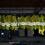 ร้านขายเสื้อกันฝน เทศบาลตำบลฉลอง จำนวน 24 ตัว