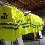 เสื้อกันฝนตำรวจ สกรีนโลโก้ KLM