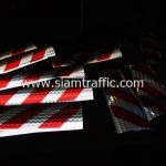 สติ๊กเกอร์สะท้อนแสงจราจร ลายเฉียงสีขาว ขนาด 20 x 60 ซม.