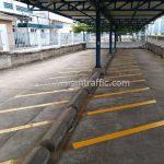 ตีเส้นที่จอดรถ ที่บริษัท ยูนิลีเวอร์ ไทย โฮลดิ้งส์ จำกัด (โรงงานเกตเวย์)