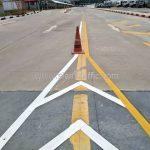 ตีเส้นถนน ที่โรงงานคาราบาวแดง จังหวัดฉะเชิงเทรา