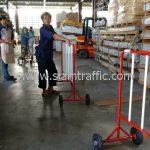 แผงกั้นที่จอดรถ ขาว-แดง ขนาด 1.5 เมตร Central Phuket