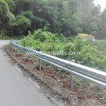 ราวเหล็กกั้นถนน ติดตั้งที่ดอนไชย - ห้วยหญ้าไทร เชื่อมโยง จังหวัดลำปาง - จังหวัดลำพูน