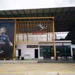 ตีเส้นจราจร ที่สนามฟุตบอล Winning Seven พุทธมณฑล สาย 1
