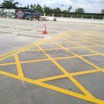 ตีเส้นทแยงห้ามหยุดรถ ที่สนามบอล Winning Seven พุทธมณฑล สาย 1 จำนวน 60 ตารางเมตร