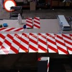 ป้ายงานก่อสร้างบั้งลายเฉียง ขาวสลับแดง ขนาด 15 x 60 เซนติเมตร สายทางรอบเกาะสมุย